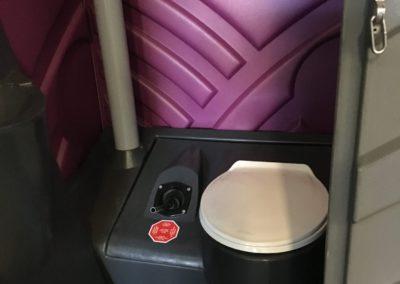 chemisch toilet met spoelklep